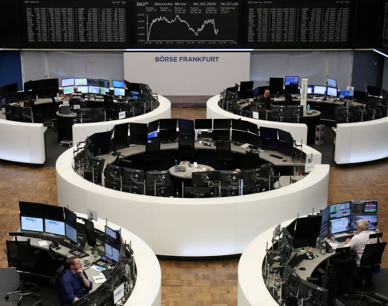 European shares end whipsaw session lower on tech rout
