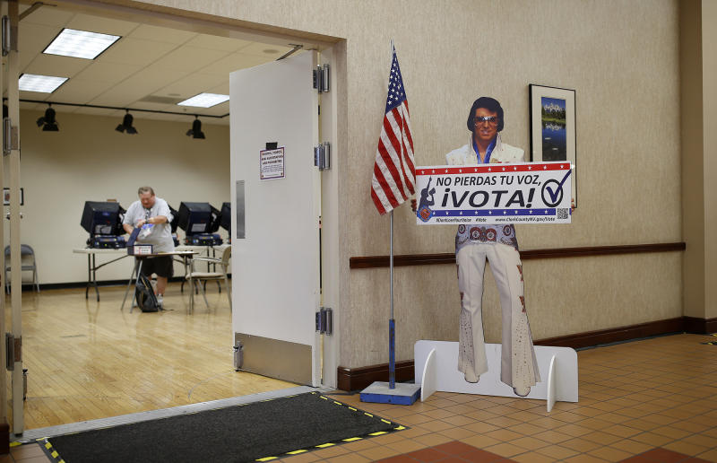 A reminder for people to vote at an early primary election polling site, Las Vegas, May 31, 2016. (Photo: John Locher/AP)