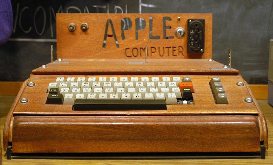 A fully assembled Apple I computer with a homemade wooden computer case. Ed Uthman/Flickr
