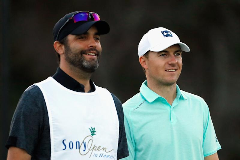 Spieth caddie leaves Mexico after dad dies