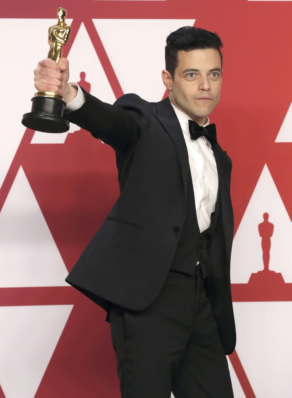 91st Academy Awards – Oscars Photo Room – Hollywood, Los Angeles, California, U.S., February 24, 2019. Best Actor Rami Malek poses with his award backstage, REUTERS/Mike Segar