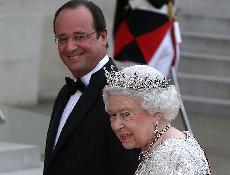 les gaffes de fran ois hollande face la reine d 39 angleterre. Black Bedroom Furniture Sets. Home Design Ideas