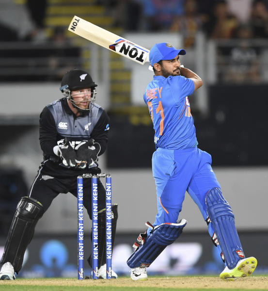 India's Manish Pandy bats during the Twenty/20 cricket international between India and New Zealand in Auckland, New Zealand, Friday, Jan. 24, 2020. (Andrew Cornaga/Photosport via AP)