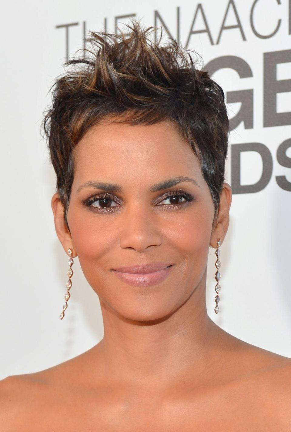 <p>Go spiky yet simple with actress <strong>Halle Berry</strong>'s iconic highlighted pixie cut. Whether you wear it smooth or muss it up with a bit of wax, this hairstyle is super versatile. </p>