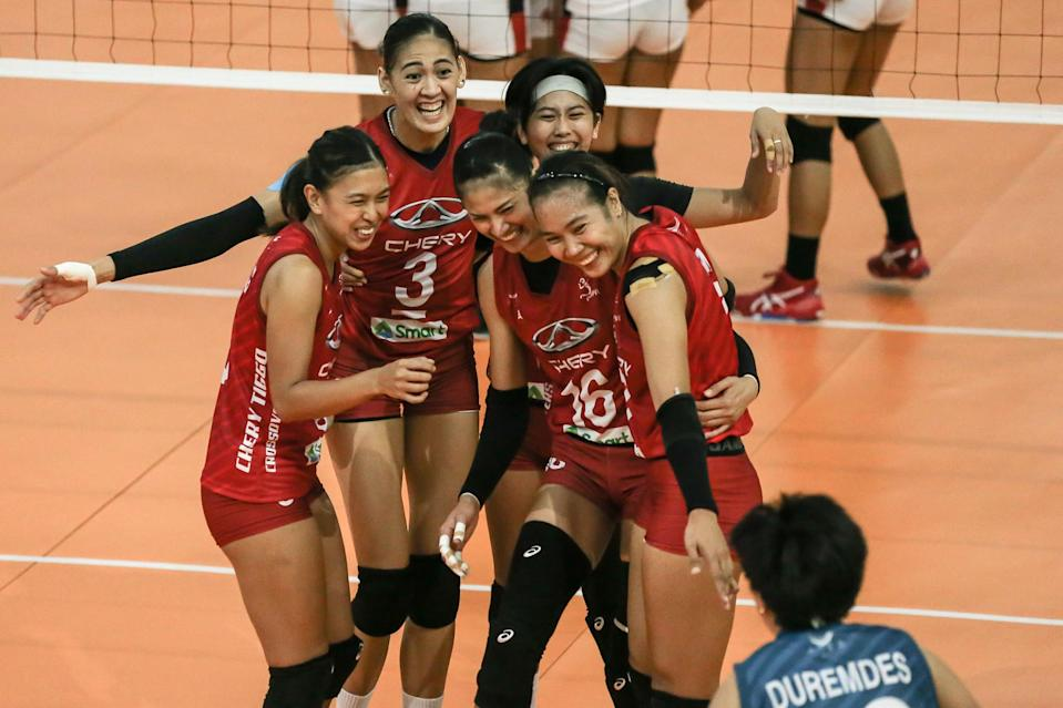 Chery Tiggo cruises past Cignal for early lead in the 2021 Premier Volleyball League Open Conference. (Photo: PVL Media Bureau)