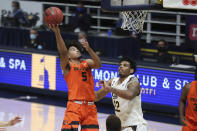 Oregon State guard Ethan Thompson (5) shoots against California forward Andre Kelly during the first half of an NCAA college basketball game in Berkeley, Calif., Thursday, Feb. 25, 2021. (AP Photo/Jed Jacobsohn)
