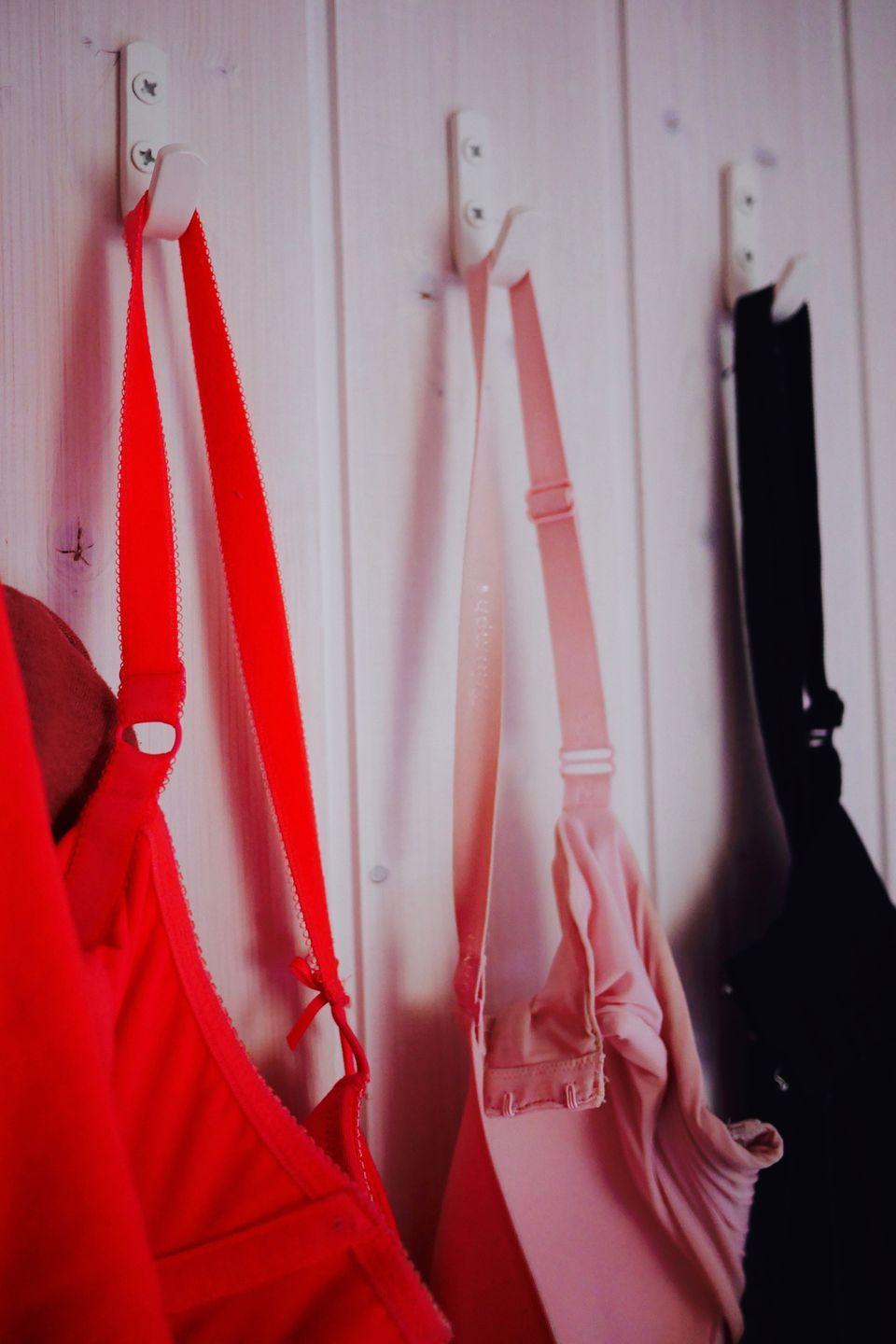 <p>If your girls are bulging out, your straps are digging into your shoulders, or your cups are gaping, it's time to give up on your old standby. Same goes for any bras that are really starting to show their age. </p>