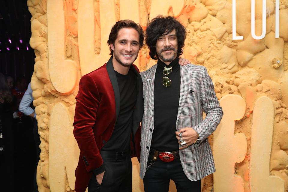 MEXICO CITY, MEXICO - APRIL 17: Diego Boneta (L) and Oscar Jaenada pose during the Netflix Luis Miguel Premiere party at Cinemex Antara on April 17, 2018 in Mexico City, Mexico.  (Photo by Victor Chavez/Getty Images)