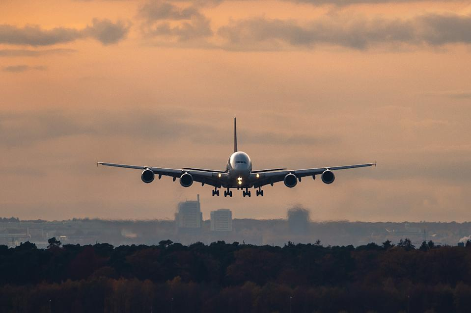 Un Airbus A380 de Asiana Airline aterrizando en el aeropuerto de Frankfurt. (Foto: Silas Stein/picture alliance via Getty Images)