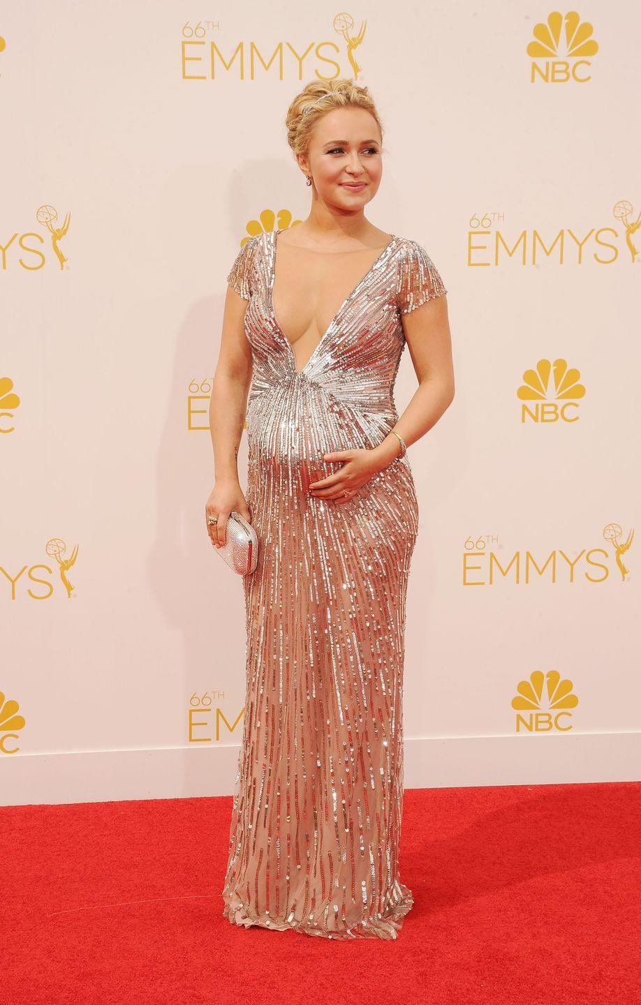 <p>The pint-size star proved that maternity dressing can still be sexy in 2012. </p>