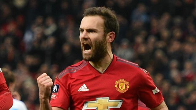 The Spanish midfielder is heading towards the free agent pool, but those at Old Trafford are keen to see him agree to an extension
