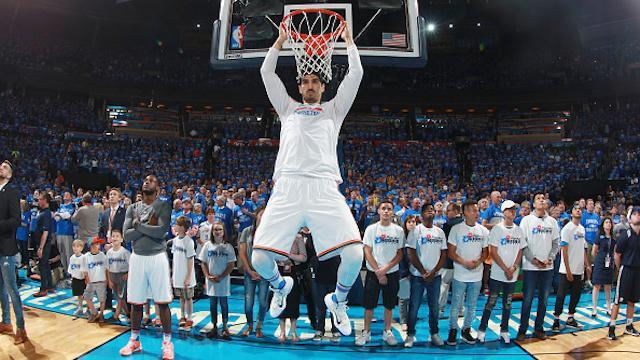 Turkish big man Enes Kanter has been subjected to death threats on Twitter for his political views. (Layne Murdoch/Getty Images)