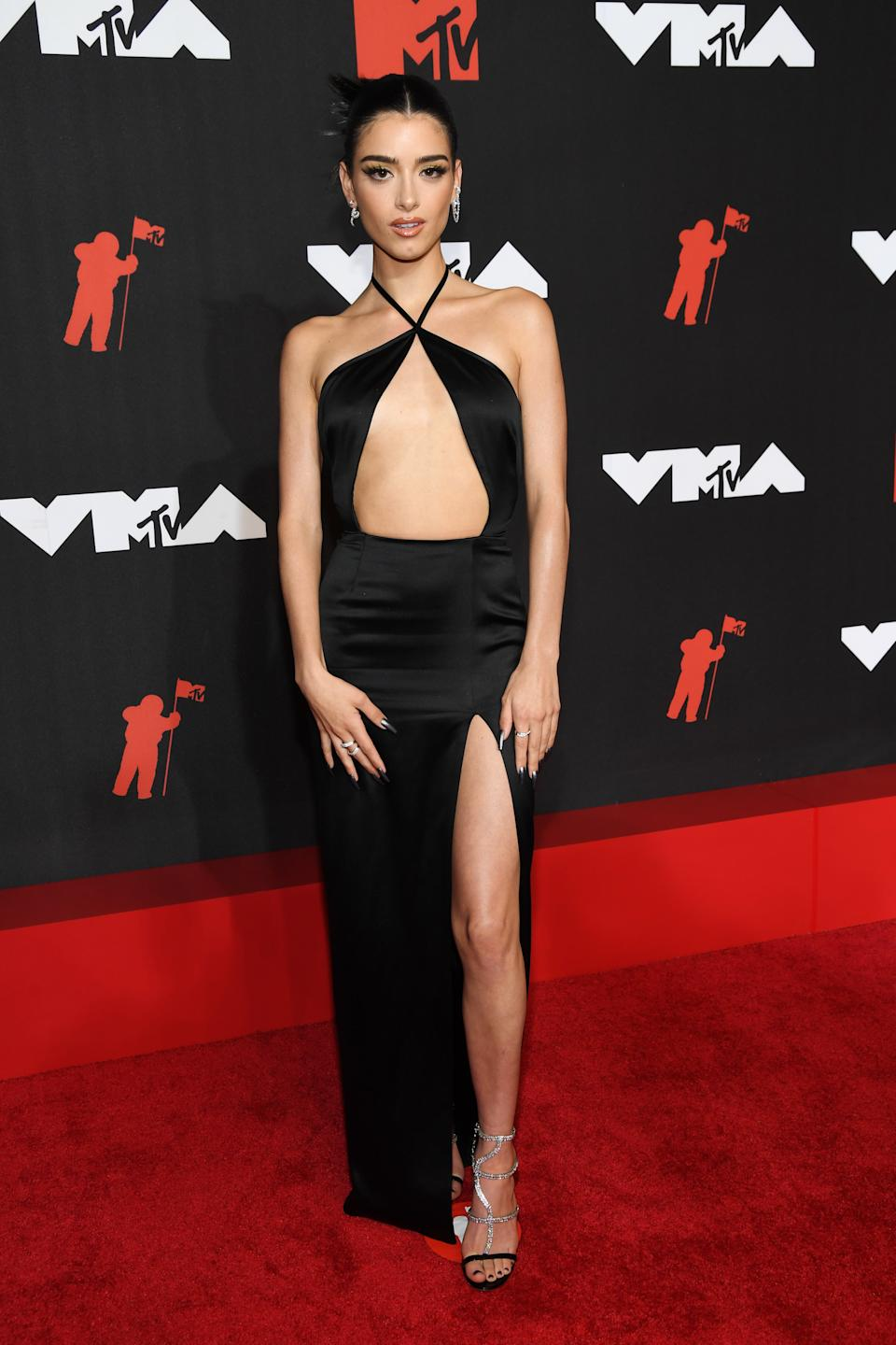 Dixie D'Amelio attends the 2021 MTV Video Music Awards at Barclays Center