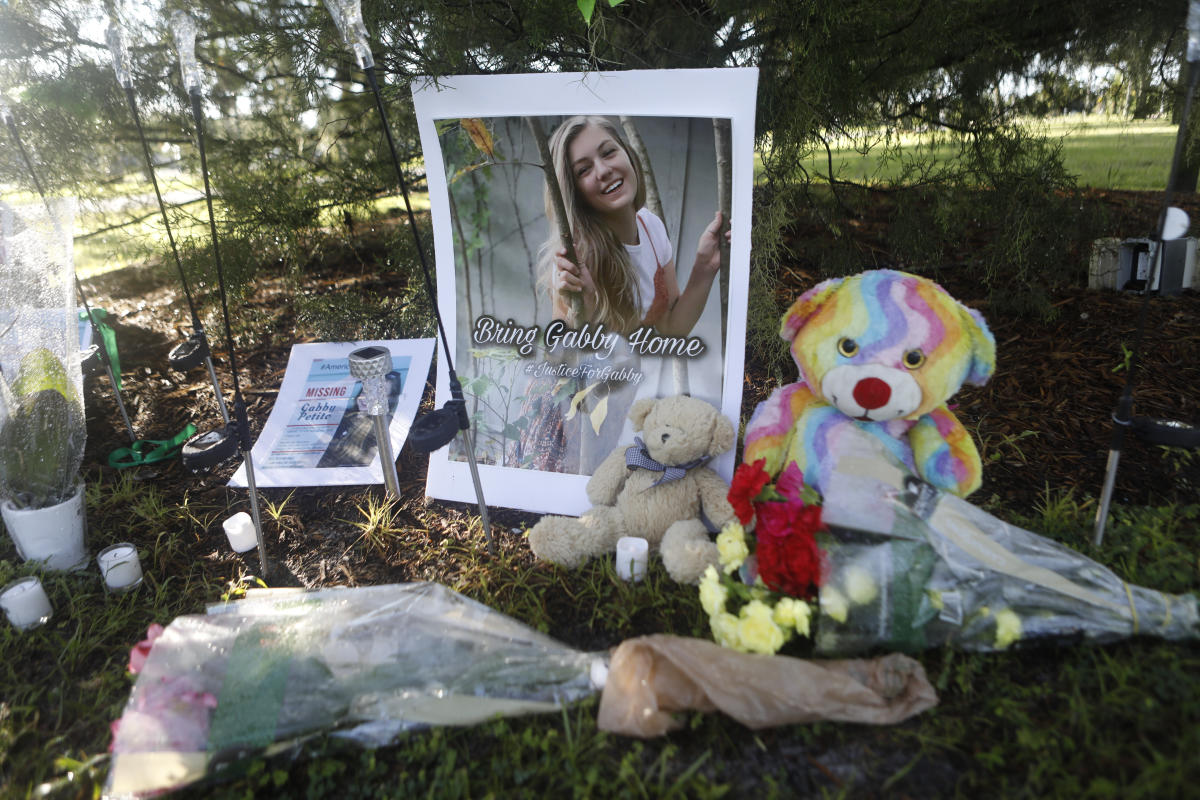 Gabby Petito's disappearance has female van lifers reflecting on their lifestyle, safety: 'Never be scared to move on' - Yahoo L