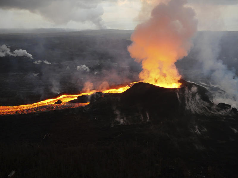 AP Photos: Weeks later, Hawaii volcano gushes on