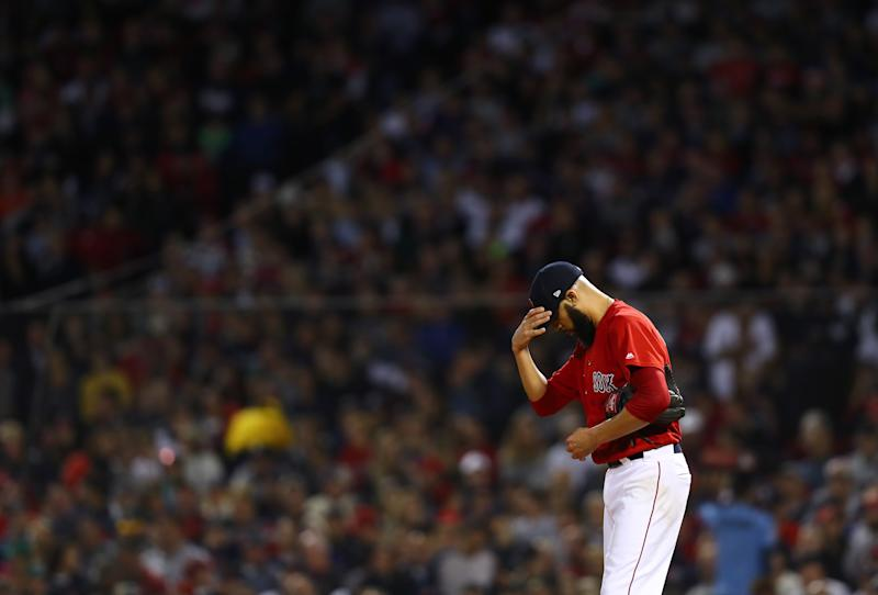 Fan throws beer can at Craig Kimbrel during Game 4