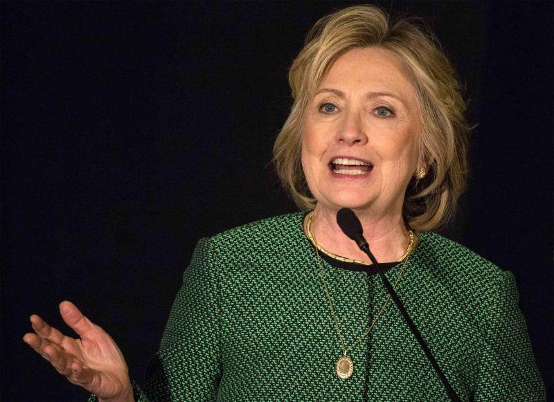 Former U.S. Secretary of State Hillary Clinton speaks after being inducted into the Irish American Hall of Fame in New York, March 16, 2015. REUTERS/Brendan McDermid (UNITED STATES - Tags: POLITICS)