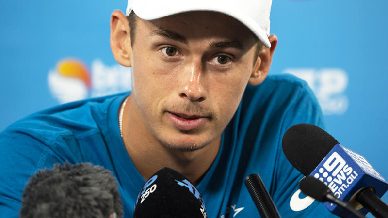 Rain makes de Minaur wait a day in Sydney
