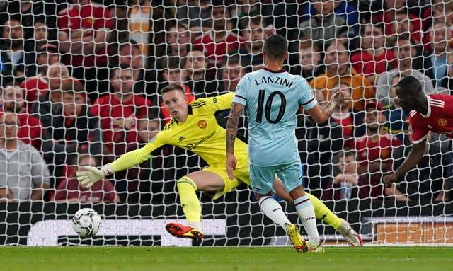 Lanzini stroked West Ham into the early lead