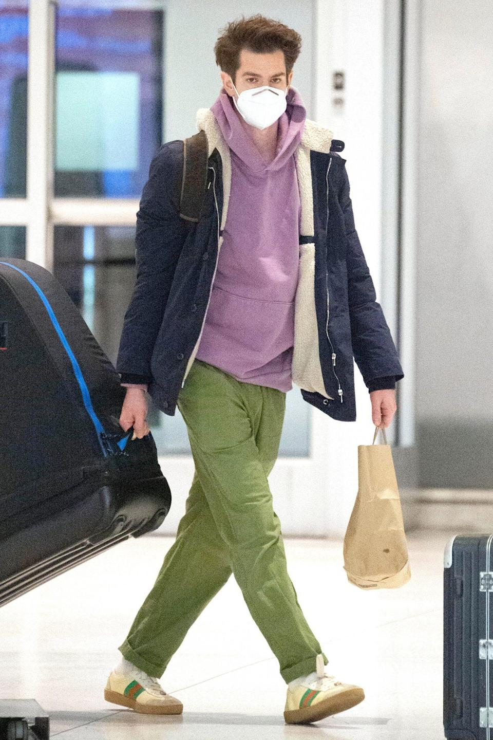 <p>Andrew Garfield is seen arriving at JFK Airport with an enormous bike case on Monday in N.Y.C.</p>
