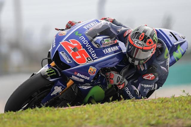 Movistar Yamaha MotoGP's Spanish rider Maverick Vinales takes a corner during the last day of 2017 MotoGP pre-season test at the Sepang International Circuit on February 1, 2017. (AFP Photo/MOHD RASFAN)