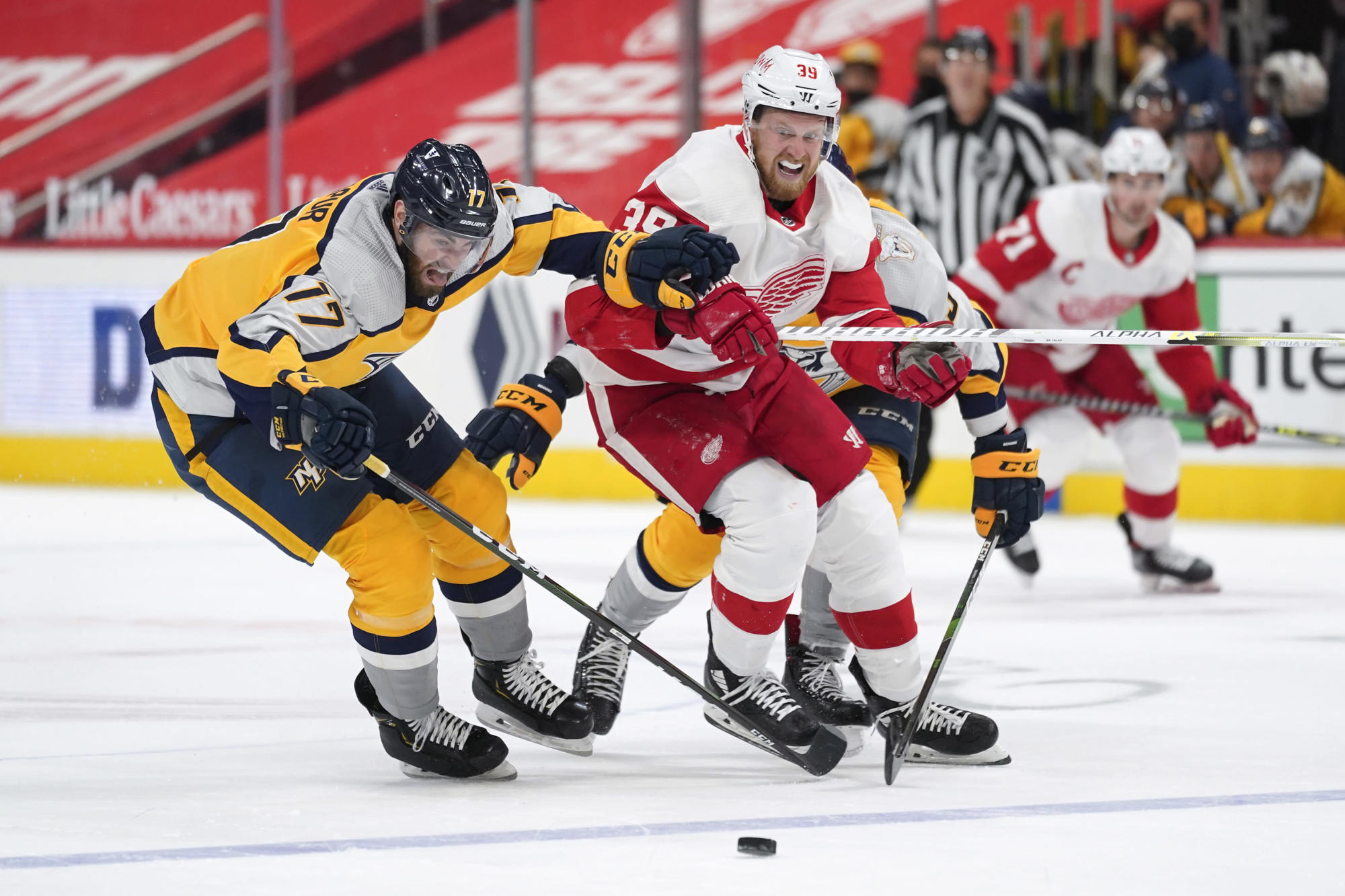 No cap crunch for Capitals, who land Mantha at deadline