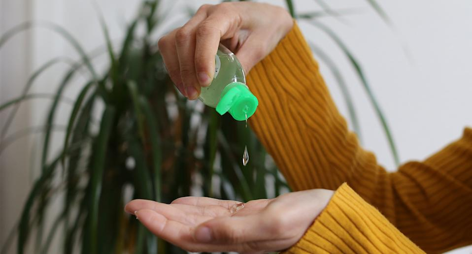When using alcohol-based hand sanitiser you must cover the surface of both hands and rub together for 20 seconds until hands feel completely dry.