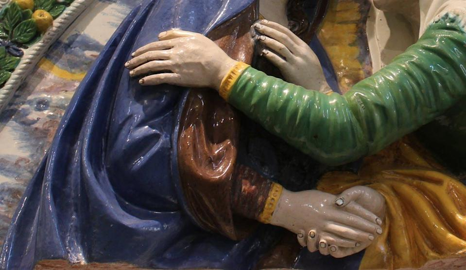 """<span class=""""caption"""">A sculpture of two saints meeting and embracing embodies the importance of touch in Renaissance culture as a form of devotion and ultimately a way to access the divine. </span> <span class=""""attribution""""><a class=""""link rapid-noclick-resp"""" href=""""https://qspace.library.queensu.ca/handle/1974/24179"""" rel=""""nofollow noopener"""" target=""""_blank"""" data-ylk=""""slk:Renaissance Polychrome Sculpture in Tuscany database"""">Renaissance Polychrome Sculpture in Tuscany database</a>, <span class=""""license"""">Author provided</span></span>"""