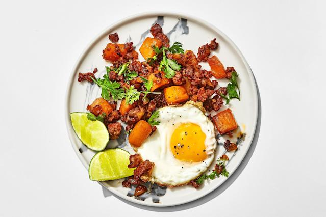 "<h1 class=""title"">Butternut Squash and Chorizo Hash</h1> <cite class=""credit"">Photo by Alex Lau, Food Styling by Sue Li</cite>"