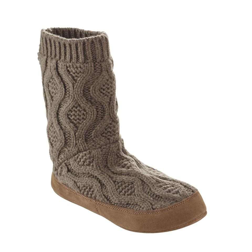 "<p><em>(Cable knit slipper sock, L.L. BEAN, $49.95)</em></p><p><a rel=""nofollow"" href=""https://www.llbean.com/llb/shop/118759?feat=503422-GN3&page=l-l-bean-slipper-sock-cable-knit&csp=f"">BUY NOW</a></p>"