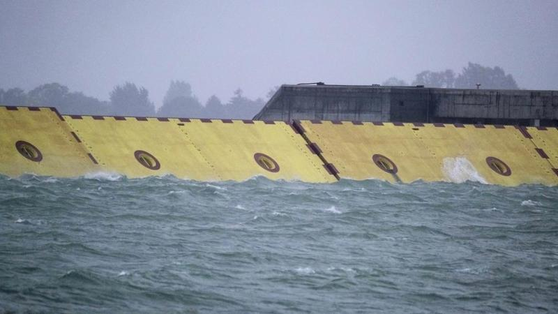 Swell time in Venice as flood gates protect canal city from high tide