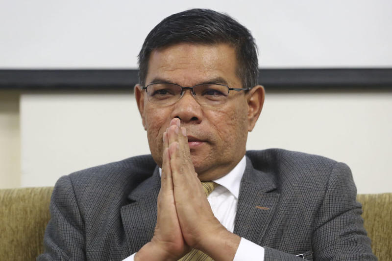 Datuk Seri Saifuddin Nasution Ismail at a press conference in Penang today also added that Zakaria had also offered a RM20,000 contract from the Works Ministry. — Picture by Yusof Mat Isa
