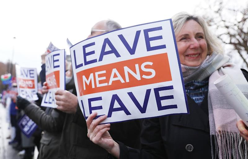 Brexit: Theresa May in last-ditch appeal to Brussels to avoid defeat