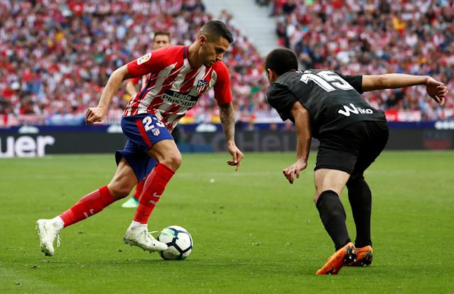 Soccer Football - La Liga Santander - Atletico Madrid vs Eibar - Wanda Metropolitano, Madrid, Spain - May 20, 2018 Atletico Madrid's Vitolo in action with Eibar's Jose Angel REUTERS/Juan Medina