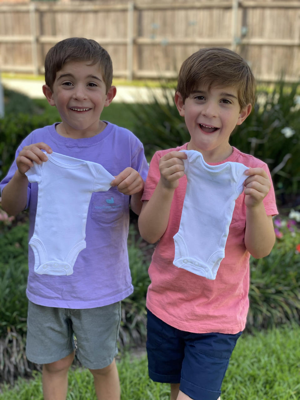 Identical twin brothers Grant and Cooper Credo welcomed identical twin sisters in September 2020. (Erin Credo)