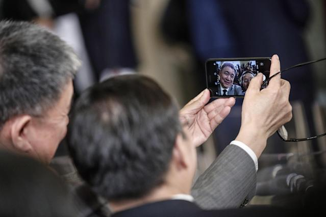 Rome (Italy), 23/03/2019.- Chinese media during Italian premier Giuseppe Conte and Chinese President Xi Jinping press conference at the end of their meeting at the Villa Madama in Rome, Italy, 23 March 2019. President Xi Jinping is in Italy to sign a memorandum of understanding to make Italy the first Group of Seven leading democracies to join China's ambitious Belt and Road infrastructure project. (Italia, Roma) EFE/EPA/GIUSEPPE LAMI