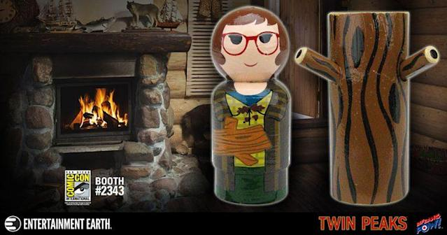 The 'Twin Peaks' Log Lady Pin Mate Set (Credit: Entertainment Earth)