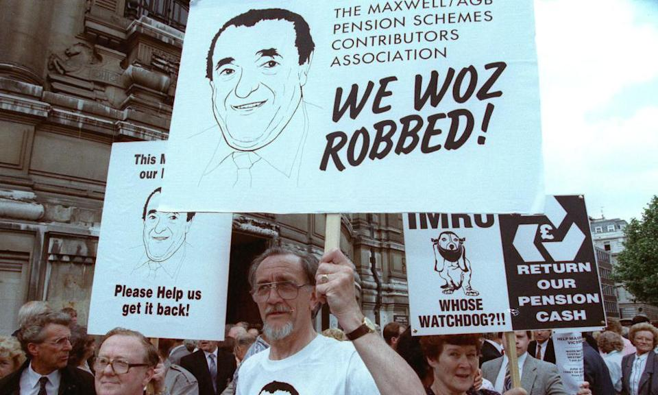 Protests in 1992 after Maxwell robbed the Mirror pension fund.