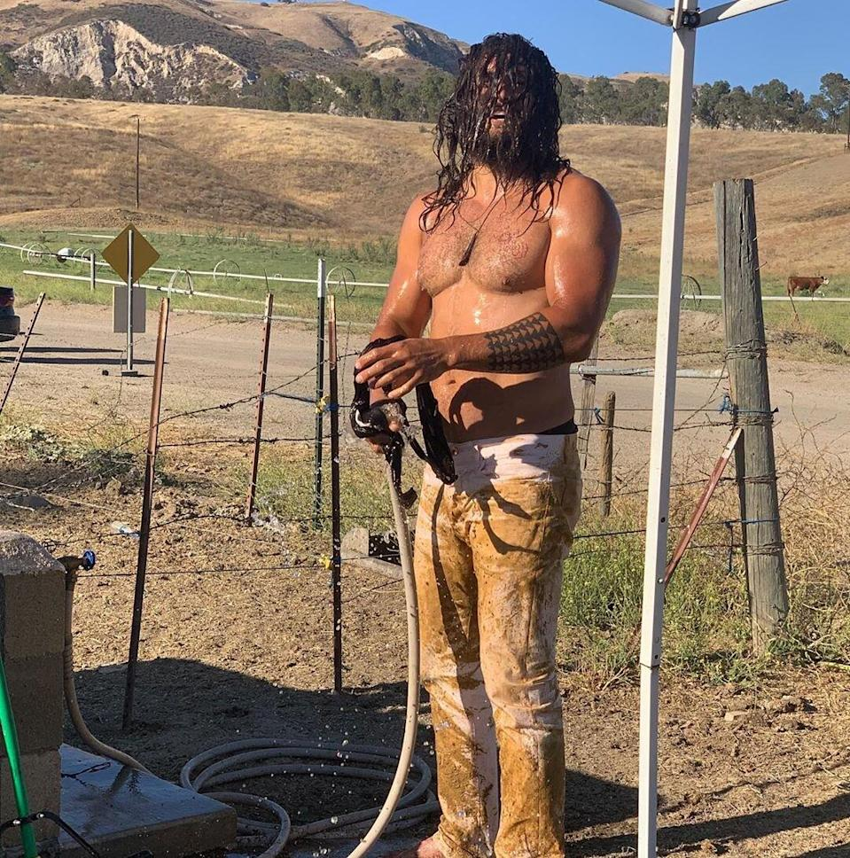 Shirtless Jason Momoa Gets Hosed Off in Muddy Instagram Post ...