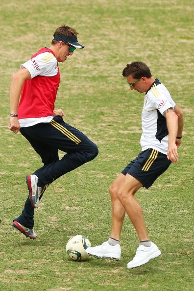 SYDNEY, AUSTRALIA - NOVEMBER 01:  Dale Steyn and Morne Morkel warm up by playing football during a South African Proteas training session at Sydney Cricket Ground on November 1, 2012 in Sydney, Australia.  (Photo by Brendon Thorne/Getty Images)