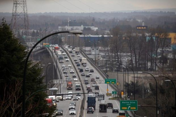 Traffic on the Knight Street bridge on April 9. Vehicle volume on the bridge is approaching pre-pandemic levels, even as many people continue to work from home. (Ben Nelms/CBC - image credit)