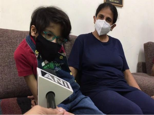 Simi Dutt, with her mother Anju Dutt (Photo/ANI)
