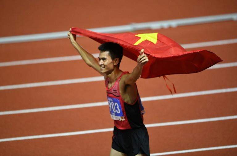Duong Van Thai took gold in the men's 1500m final in a stunning display by Vietnam's track athletes at the Southeast Asian Games Sunday