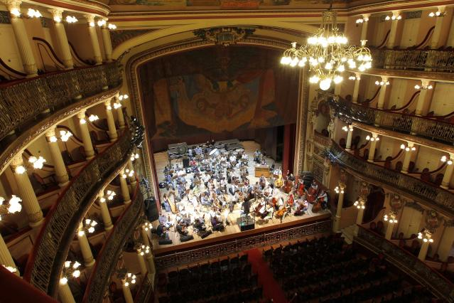 An interior view of the Amazonas Theatre, one of the main tourist spots of Manaus March 26, 2014. Manaus is one of the host cities for the 2014 soccer World Cup in Brazil. Picture taken March 26. REUTERS/Nuno Guimaraes (BRAZIL - Tags: SPORT SOCCER WORLD CUP SOCIETY TRAVEL)