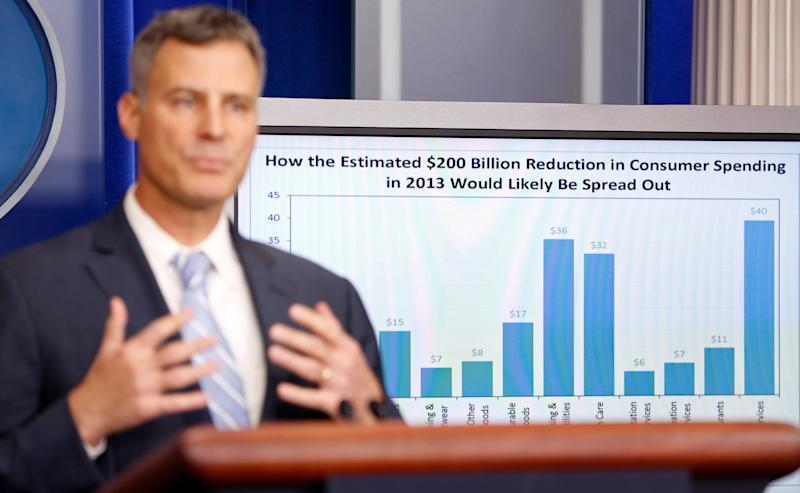 Alan Krueger, chairman of the Council of Economic Advisers, speaks during a media briefing at the White House in Washington November 26, 2012. REUTERS/Kevin Lamarque (UNITED STATES - Tags: POLITICS BUSINESS)