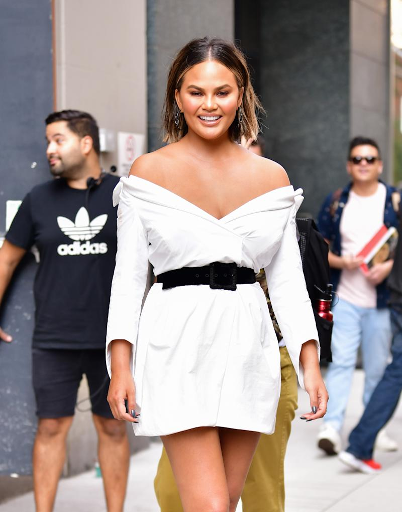 And Now… Chrissy Teigen & The Art Of A Clever Clap Back!