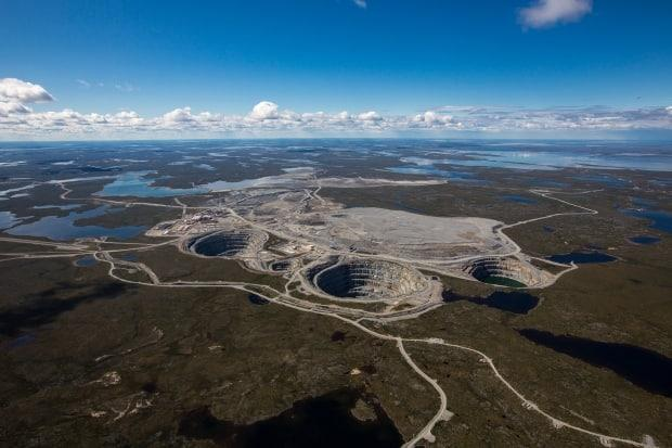 An aerial view of the Ekati mine, 300 kilometres northeast of Yellowknife. Public health in the N.W.T. says a new case of COVID-19 has been confirmed at the site. (Dominion Diamond Corporation - image credit)