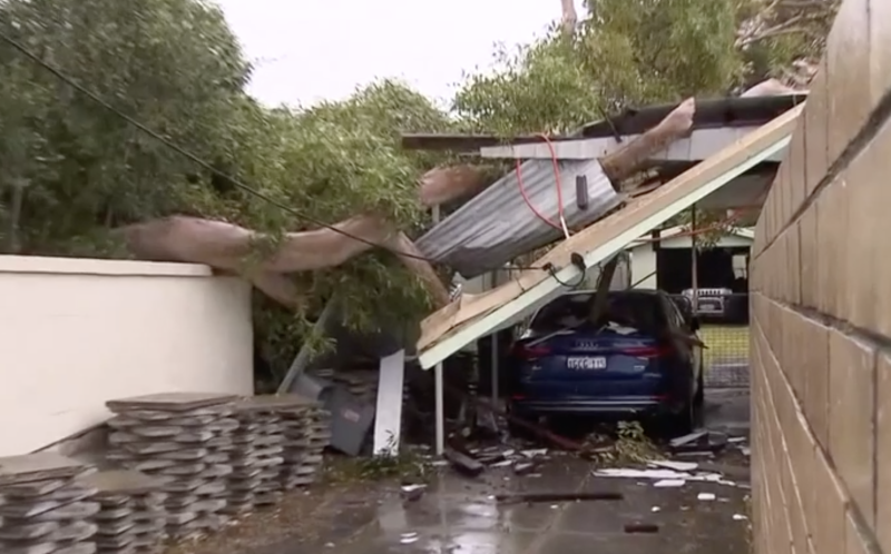 A car port collapses on an SUV in Scarborough. Source: 7News