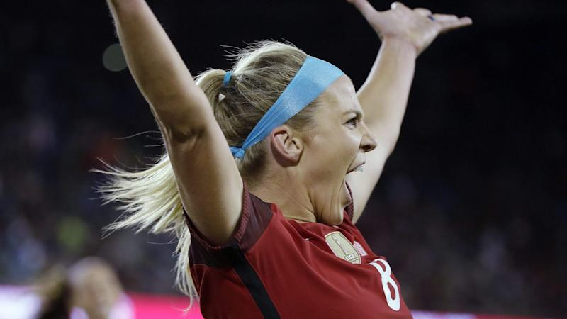 Julie Ertz Reacts to Eagles Super Bowl Berth