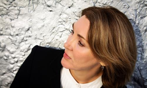 Diana Jones: Song to a Refugee review – tender testimony to bruised lives